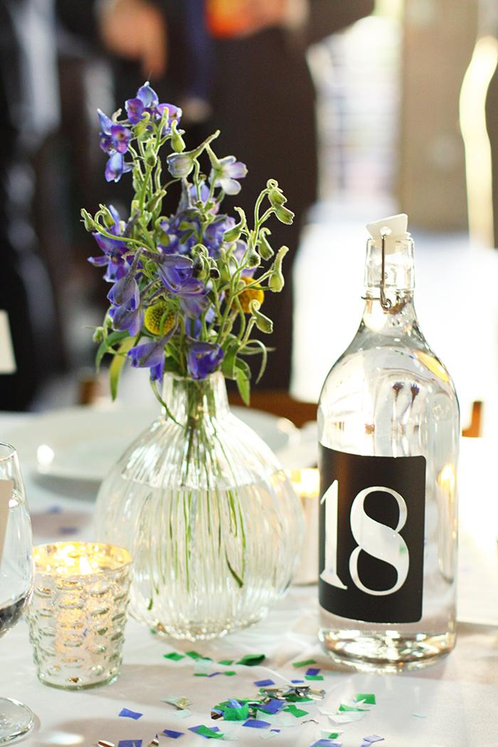 Lovely simple wedding centerpiece decor