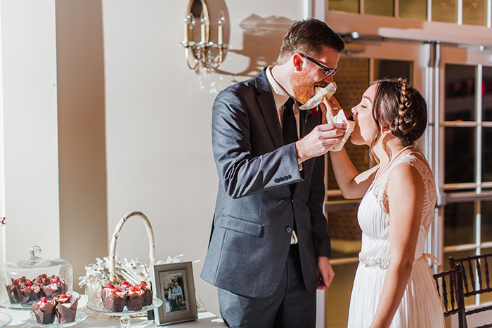 Sweet cake photo bride and groom