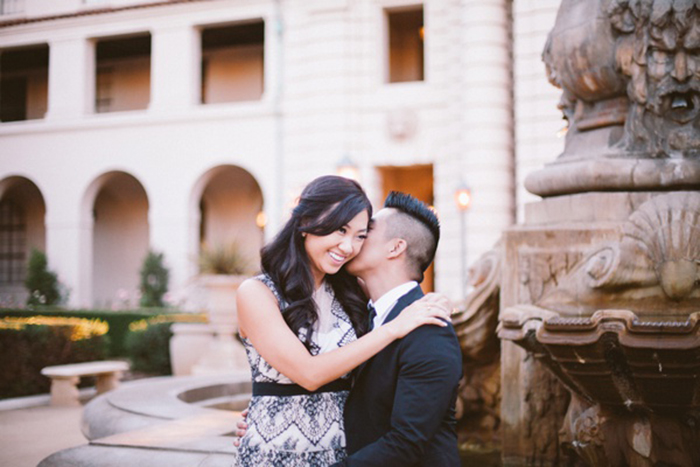 Love this Pasadena city hall engagement!