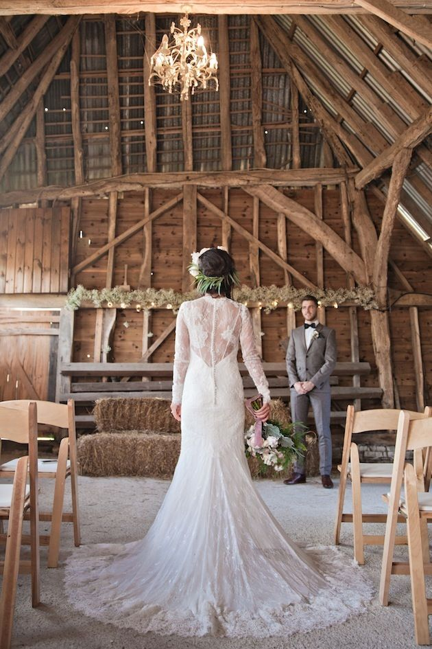 Photo by  Kerry Ann Duffy Photography  via  Bridal Musings