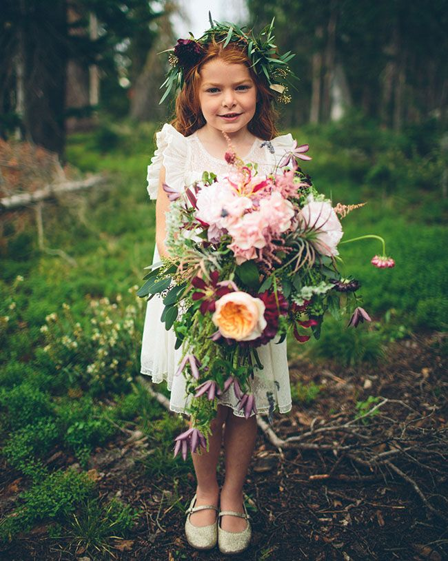 ca6d2b2a497 18 boho flower girls who totally nailed their wedding outfits ...