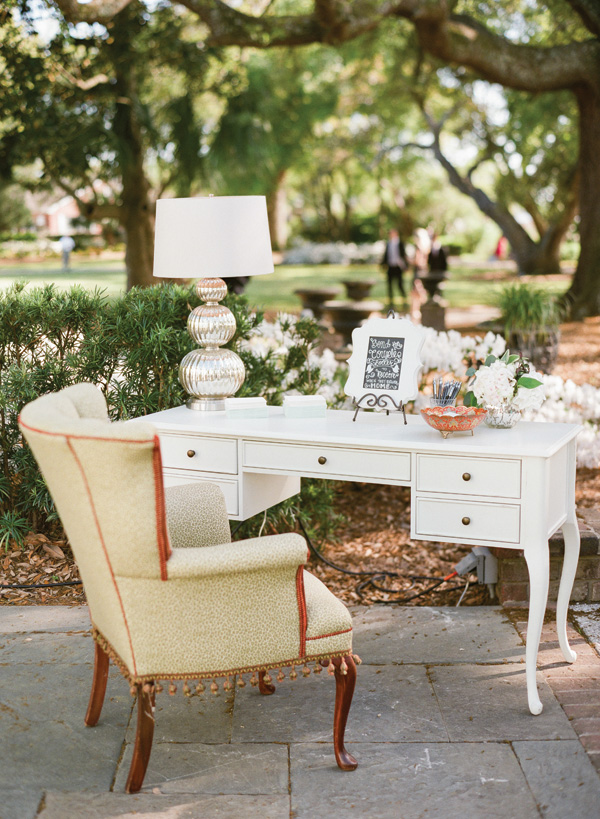 Photo by  Olivia Griffin  via  Southern Weddings
