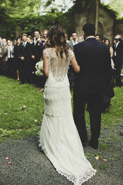 Photo by  Dan O'Day Photography  via  Want That Wedding