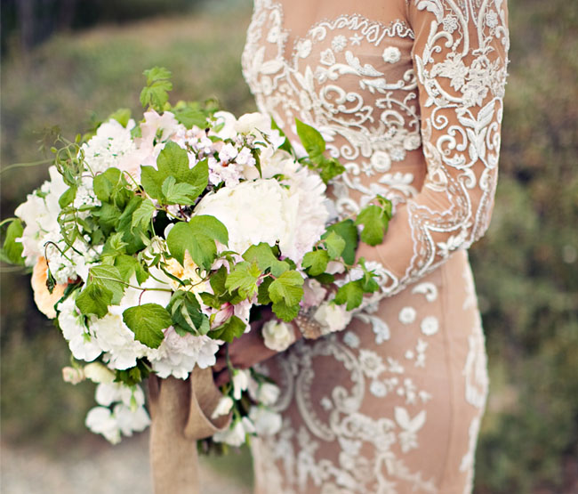 Photo by  Clayton Austin  via  Green Wedding Shoes