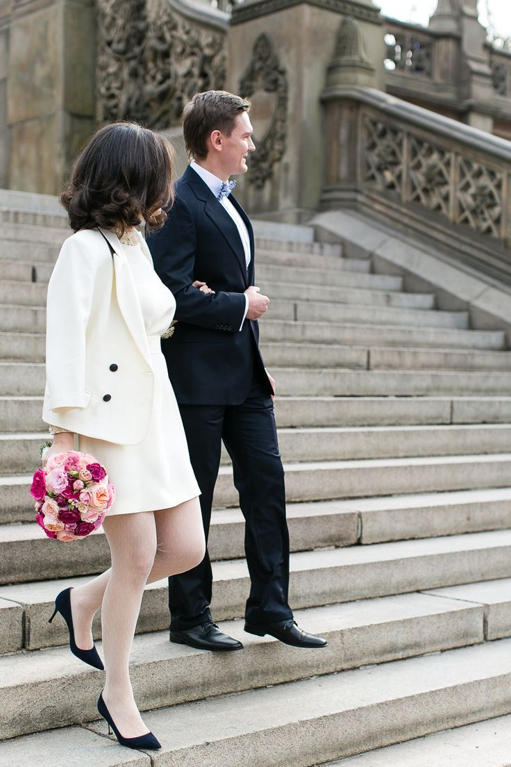 City hall wedding dress inspiration for unique brides — Wedpics Blog