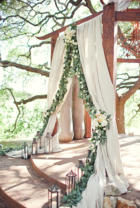 Photo by  The Nichols via  Brides