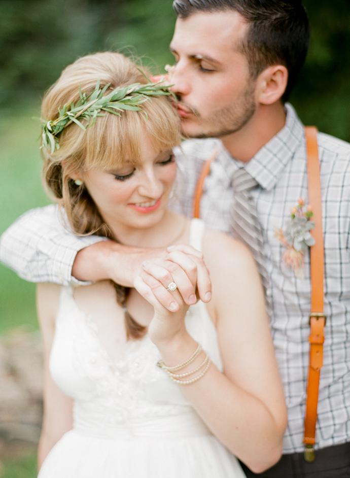 Colorful_Bohemain_Barn_Colorado_Wedding_by_Connie_Whitlock_069.jpg