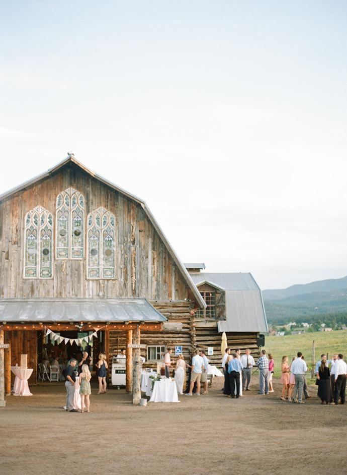 Colorful_Bohemain_Barn_Colorado_Wedding_by_Connie_Whitlock_162.jpg