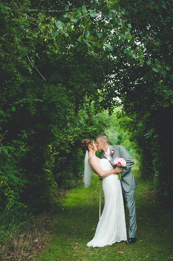 A shabby chic country wedding by Gage Blake Photography — Wedpics Blog