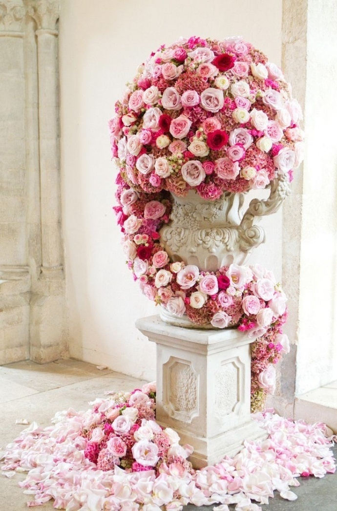 Photo by  Catherine Mead Photography via  Style Me Pretty