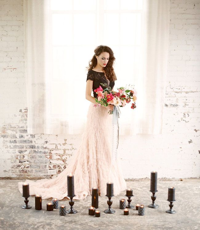 Photo by  Charla Storey via  Green Wedding Shoes