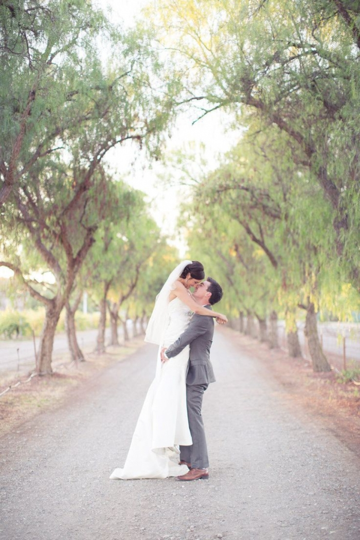 Photo by This Love of Yours Photography via  Style Me Pretty