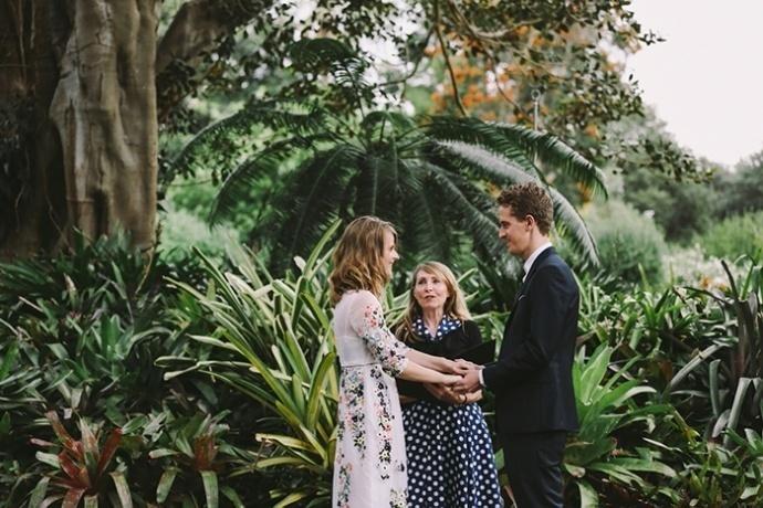 LaraHotzPhotography_Wedding_Sydney_Photographer_7479-690x460.jpg
