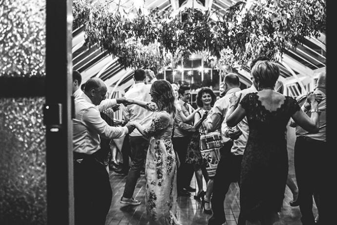 LaraHotzPhotography_Wedding_Sydney_Photographer_7647-690x460.jpg