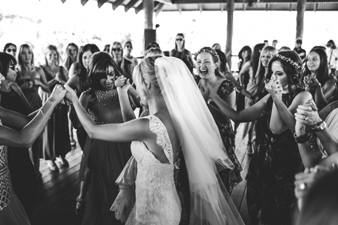 LaraHotzPhotography_Wedding_Sydney_Photographer_6852-690x460.jpg