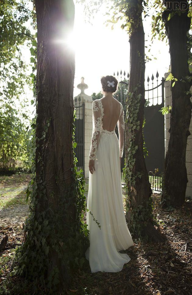 Photo by Berta Bridal via  Nu Bride