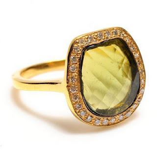 Eleven Not So Average Engagement Rings — Wedpics Blog