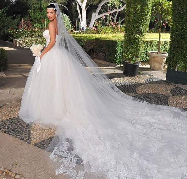 The 10 Best Movietv Wedding Dresses Of All Time Wedpics Blog