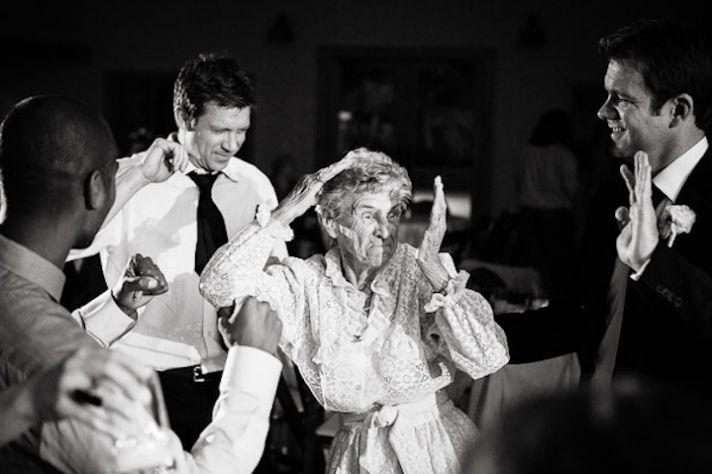 hilarious-wedding-photo-grandma-dancing wedding party blog
