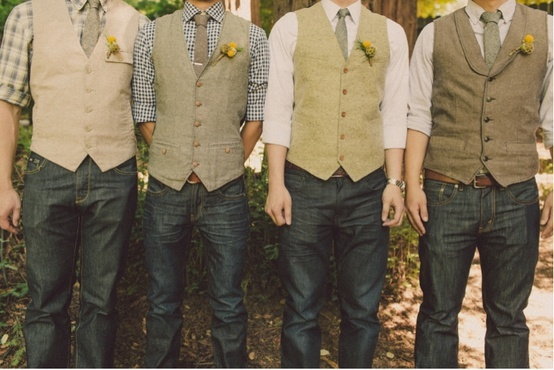 8 Casual Groom and Groomsmen Style Ideas for your Wedding — Wedpics Blog