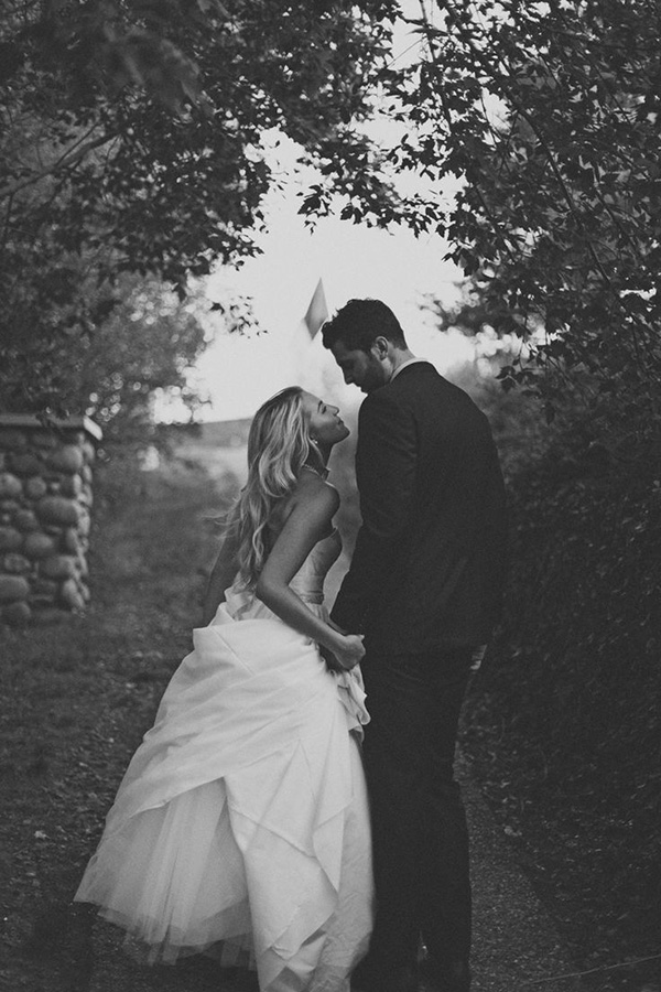 romantic pictures from real weddings