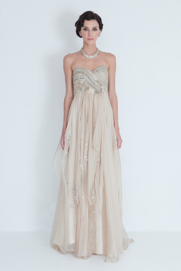 20 unique wedding dresses for the bride who dares to be different catharine deane wedding gown junglespirit Choice Image