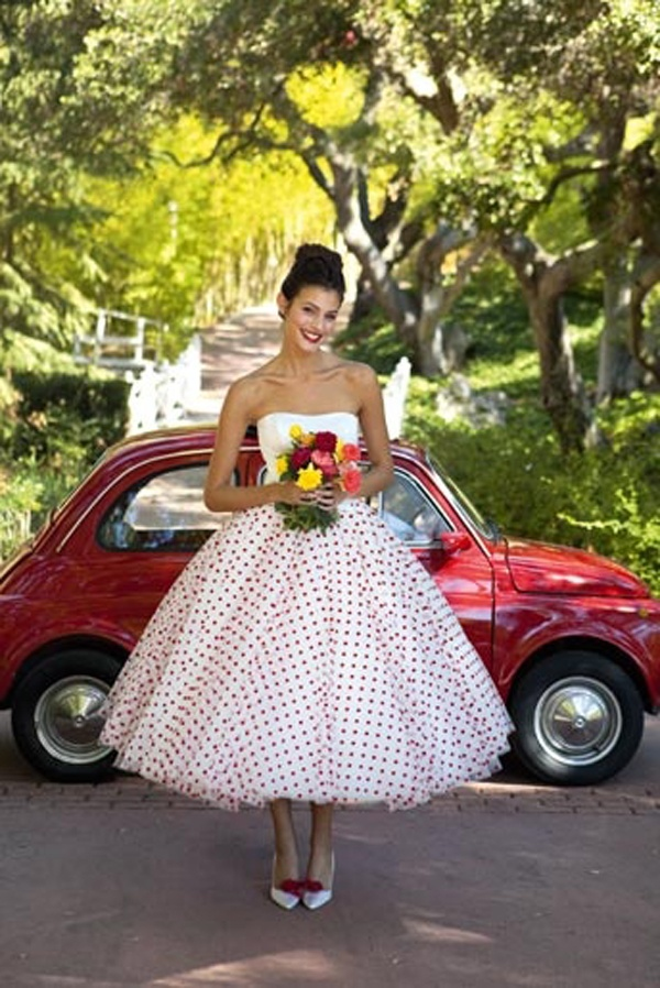 The 15 prettiest polka dot wedding dresses for the girly bride ...