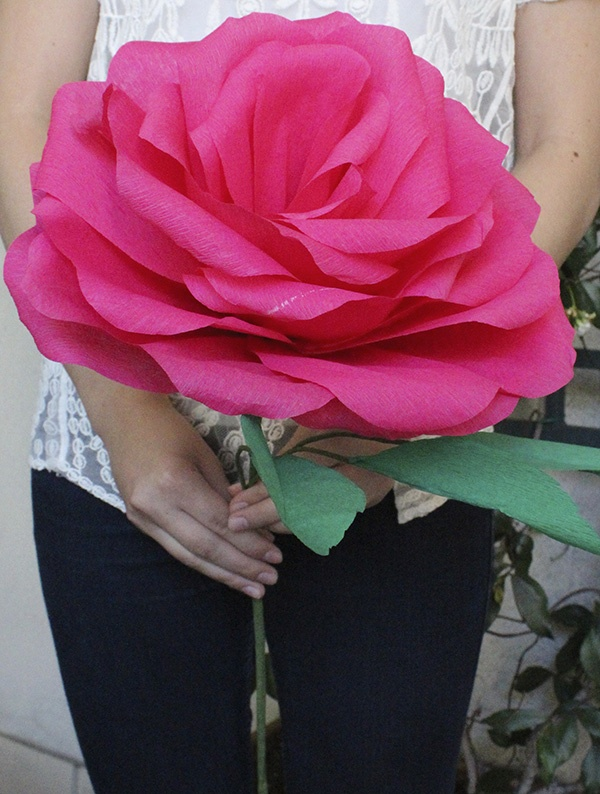DIY: Giant Paper Rose For Your Wedding Bouquet — Wedpics Blog
