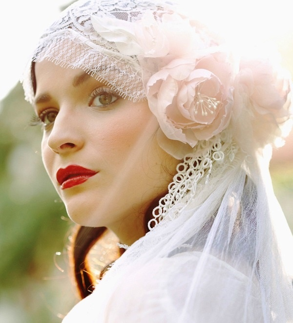3 Stand Out Bridal Hair Accessory Styles For You To Fall In Love With Wedpics Blog