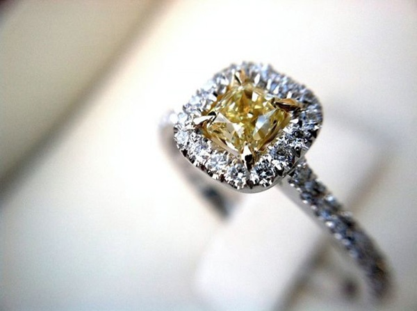 wedding advice, wedding, wedding ring, engagement ring, bride, proposal, diamond, diamond ring, yellow diamond, yellow engagement ring