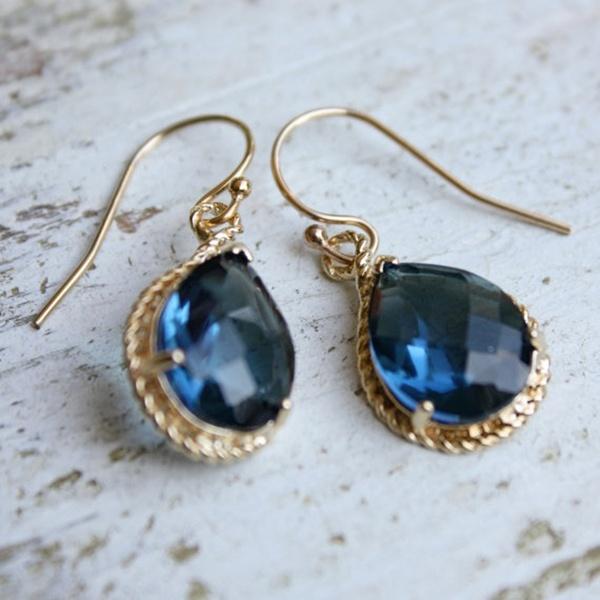 something blue, bridal traditions, wedding traditions, bride, groom, wedding, wedding inspiration, wedding jewelry, blue jewelry, blue earrings