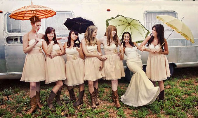 10 ways to be the coolest bridesmaid, cool bridesmaid, maid of honor, bridesmaid, how to be an awesome bridesmaid, bridesmaid guide, bridesmaid ideas, cool things for bridesmaids to do, tips and tricks, wedding ideas, wedding diy, bridal shower events, bridal party, wedding party, beautiful bridesmaids , themed wedding, cool bridal party