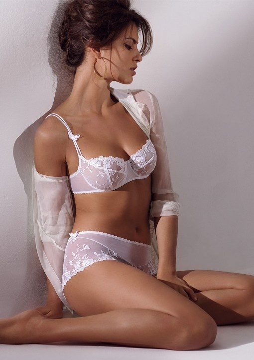 5221b7a78 Attention Naughty Brides  How to make your wedding night lingerie ...