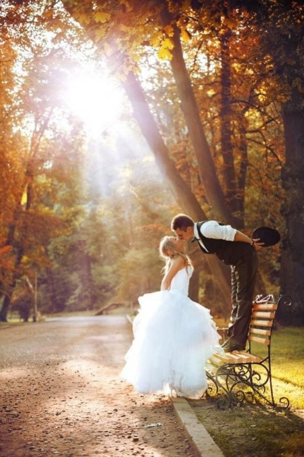 5 wedding planning tips every fall bride should consider before 5 wedding planning tips every fall bride should consider before tying the knot wedpics blog junglespirit Gallery