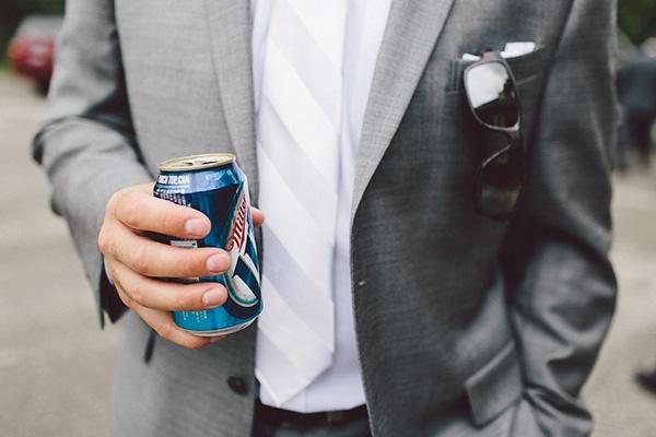 wedding, wedding photography, wedding inspiration, wedding ideas, groom, groomsmen, suit, tie