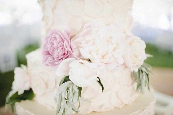 wedding, wedding photography, wedding inspiration, wedding ideas, wedding reception, reception decor, wedding decor, wedding cake, flower wedding cake