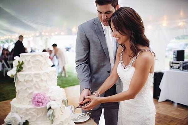 wedding, wedding photography, wedding inspiration, wedding ideas, wedding reception, wedding decor, cake, wedding cake, bride, groom