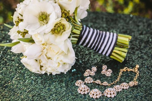 white bouquet wedding necklace