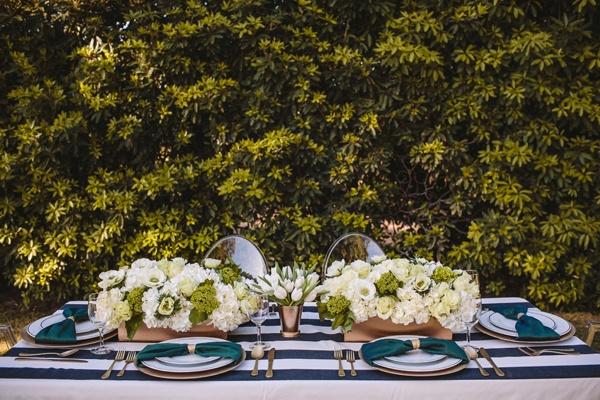 emerald black white gold wedding decor