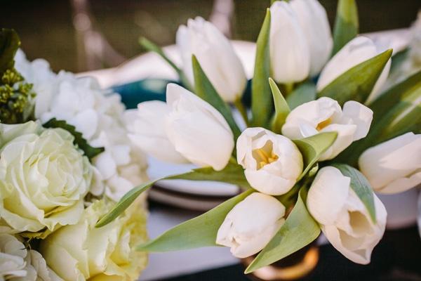 white flowers wedding reception