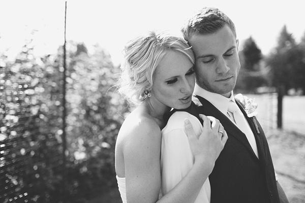 bride groom romantic wedding photo