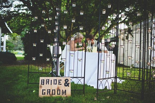 bride groom dinner table reception