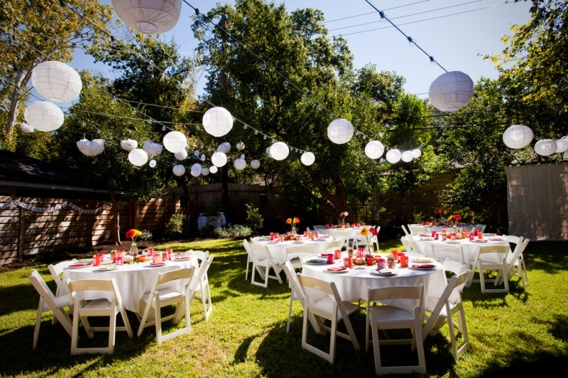 Backup Plans For Your Outdoor Wedding: 6 Simple Tips For Brides To Plan Your DIY Backyard Wedding