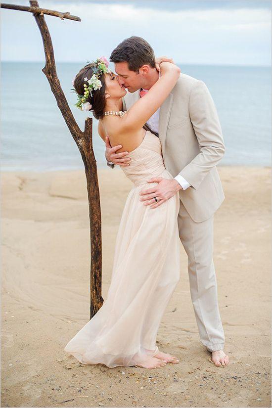 Beach Friendly Wedding Dresses Every Bride Will Love — Wedpics Blog