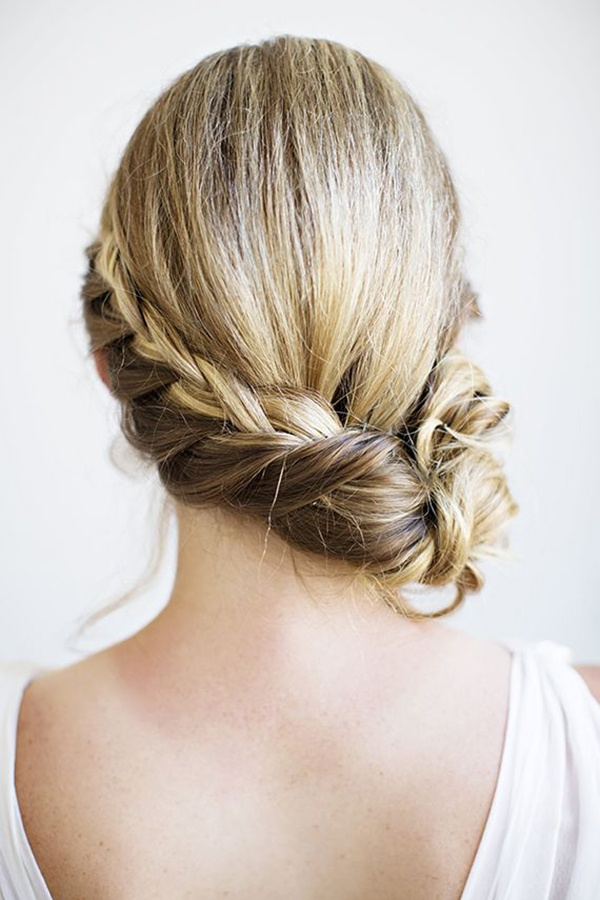 Gorgeous wedding hair updo ideas!