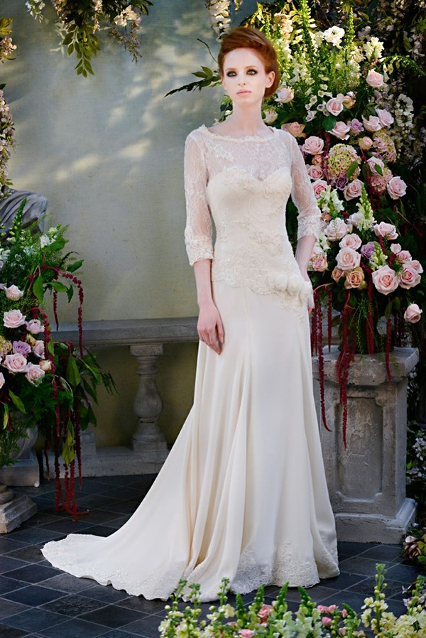 Gorgeous and classic lace long sleeve wedding dress