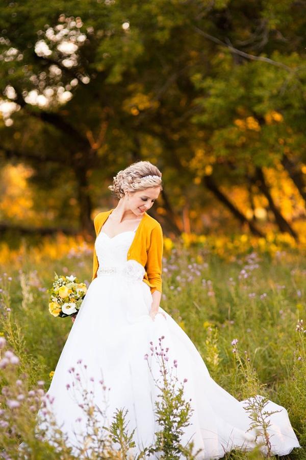 Photo by  Tina Wiebe  via  Style Me Pretty