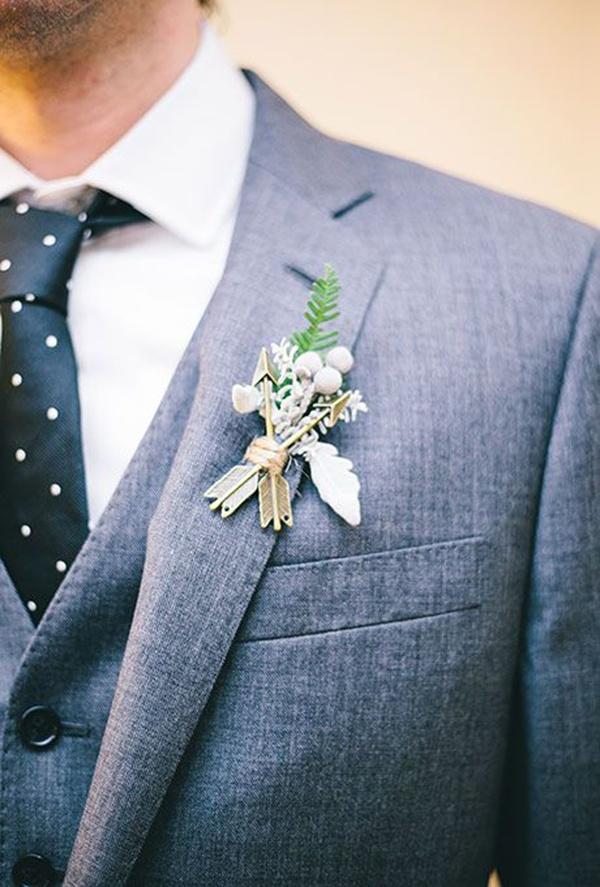 Photo by  Sara Wilde Photography  via  Brides