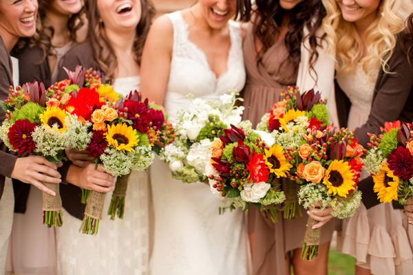 Photo by  Katelyn James  via  Southern Weddings
