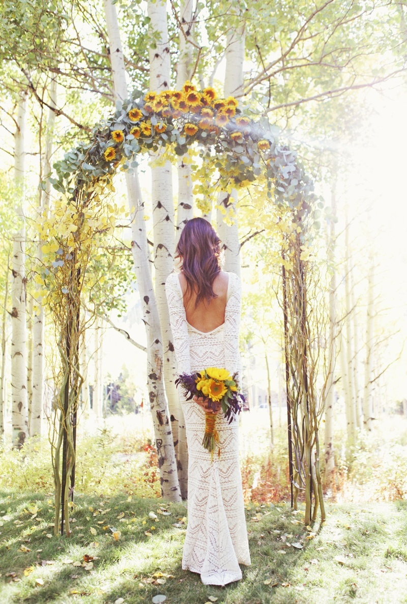 Stunning Wedding Arches: How to DIY or Buy Your Own ...